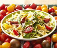 Paste Salad with Tomatoes and Blue Cheese